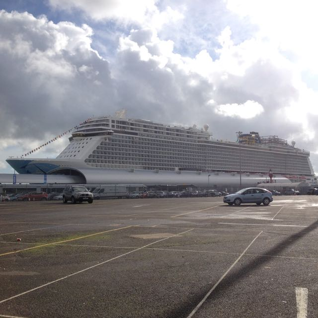 Norwegian Escape Flavia Gray