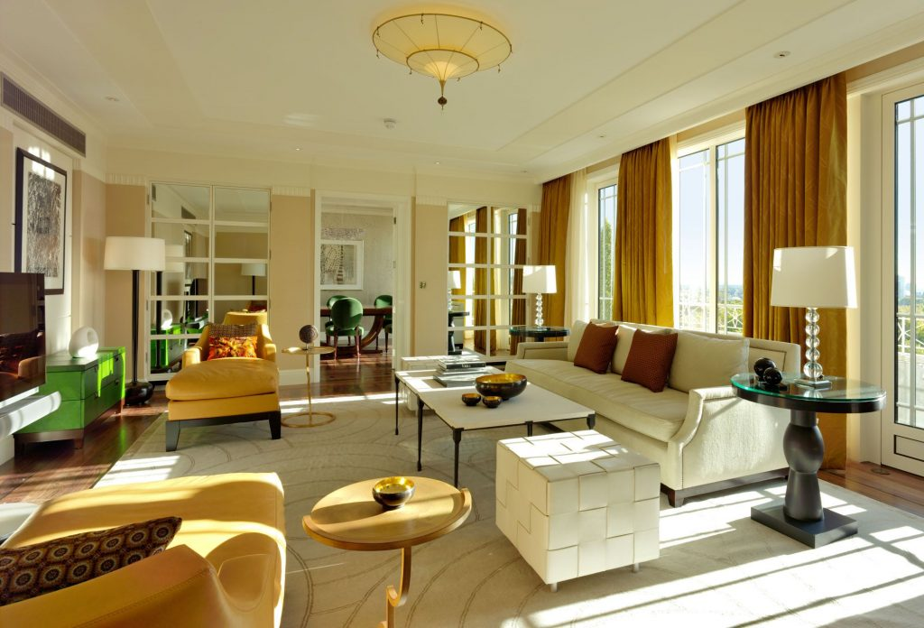 The Harlequin Suite living room (pic: The Dorchester Hotel)