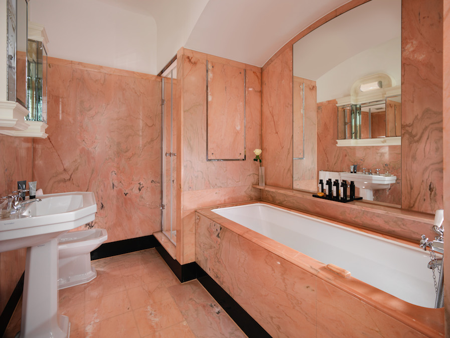 The original pink marble bathroom installed especially for Elizabeth Taylor (pic: The Dorchester Hotel)