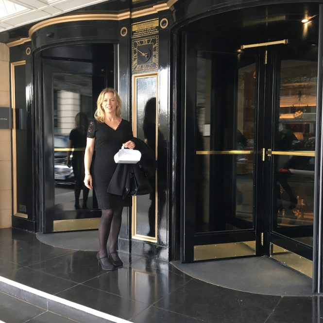 Ships-and-champagne-the-dorchester-grill-room-london