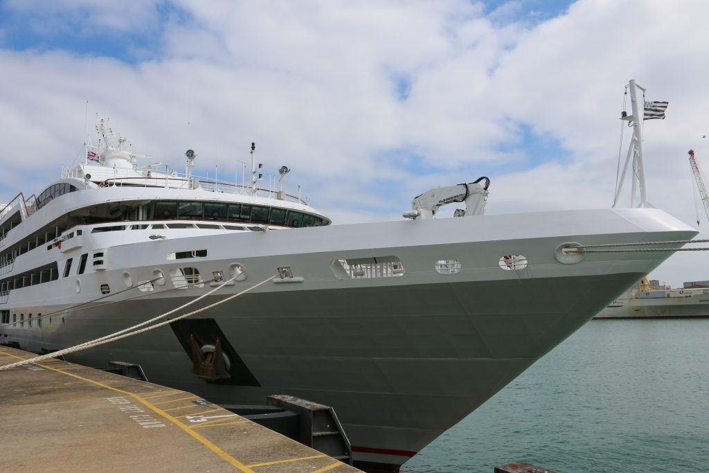 Le Soleal Le Ponant Ships and Champagne