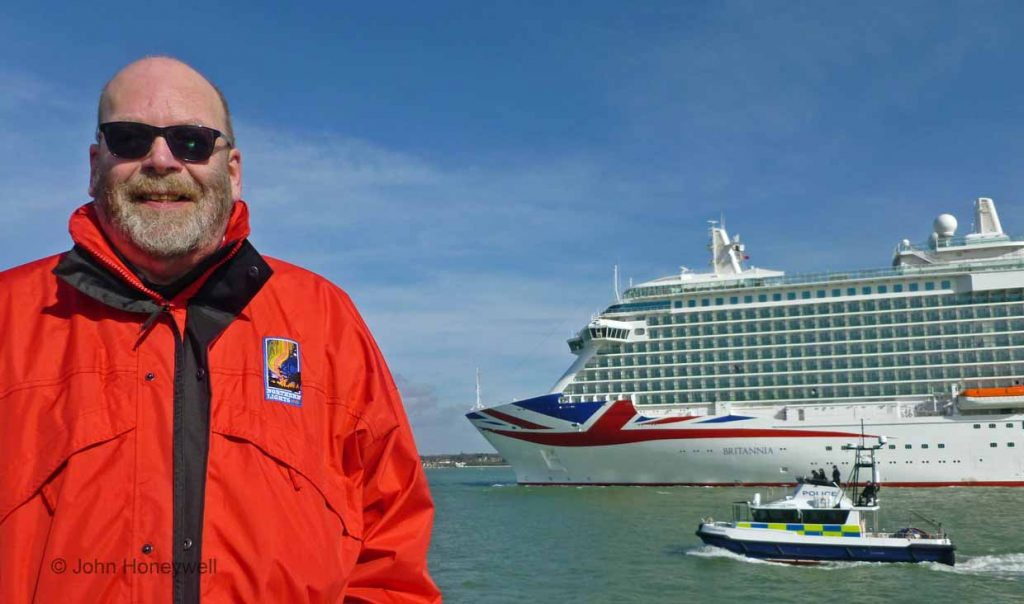 Cruise People Captain Greybeard Ships Champagne - How do you become a captain of a cruise ship