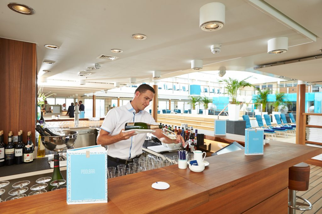 Hapag Lloyd Cruises - Pool Bar onboard Europa 2