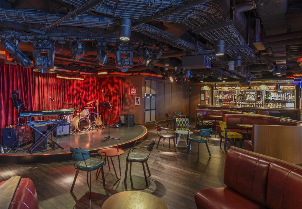 Syd Norman's Pour House onboard Norwegian Breakaway