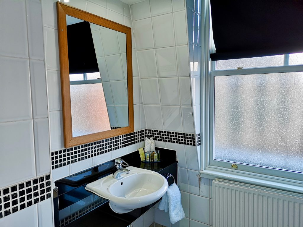 Sink and complimentary Crabtree and Evelyn amenities in the deluxe king size bathroom at Hilton Hotel Nottingham