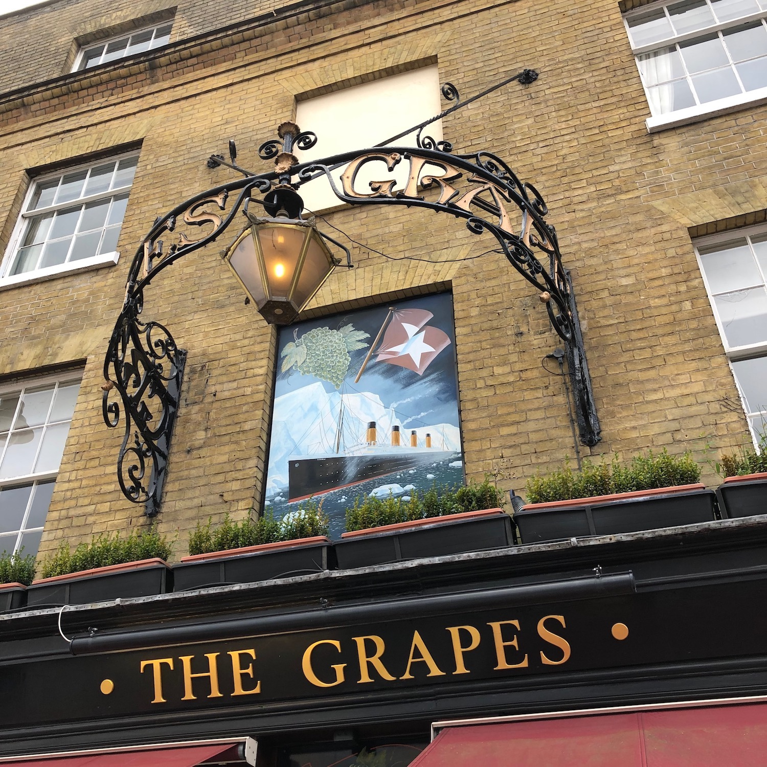 Original ornate sign of The Grapes, Southampton