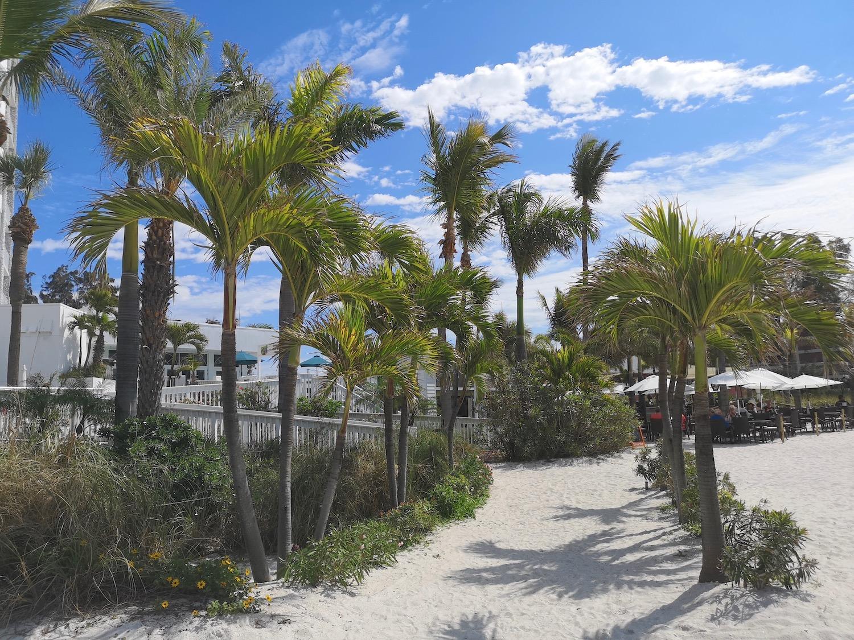 Grand Plaza Beachfront Resort - St Pete Beach